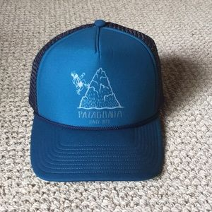 PATAGONIA trucker hat! Only tried on!